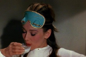 Breakfast-at-Tiffany-s-audrey-hepburn-2296845-1024-576