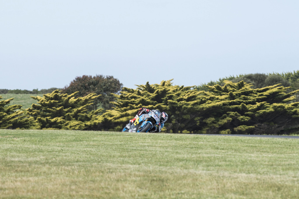 PHILLIP ISLAND, AUSTRALIA - OCTOBER 16: Scott Redding of Great Britain and Estrella Galicia 0,0 Marc VDS rounds the bend during free practice for the 2015 MotoGP of Australia at Phillip Island Grand Prix Circuit on October 16, 2015 in Phillip Island, Australia. (Photo by Mirco Lazzari gp/Getty Images)