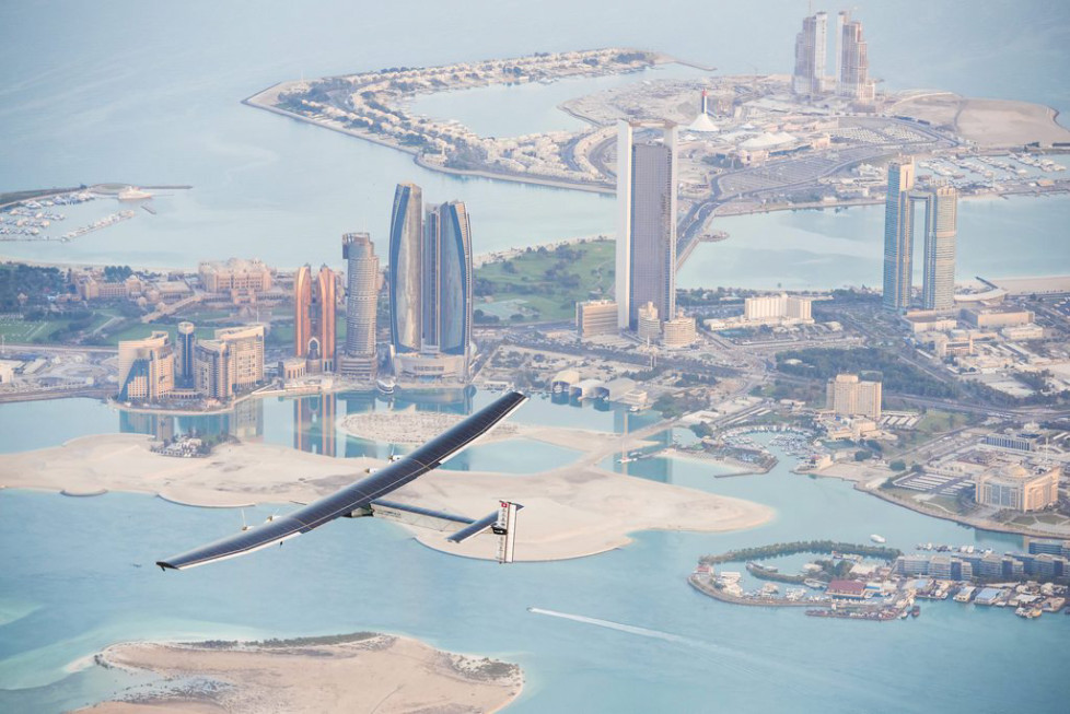 JAHRESRUECKBLICK 2015 - FEBRUAR - epa04638113 A handout photo made available by the Solar Impulse showing the Solar Impulse 2 during the first test flight in Abu Dhabi, UAE, 26 February 2015. Solar Impulse 2 successfully accomplished the first test flight since the reassembly with the test pilot Markus Scherdel at the controls. Solar Impulse 2, the only solar single-seater airplane able to fly day and night without a drop of fuel, will attempt the First Round-The-World Solar Flight in early March 2015, departing from Abu Dhabi. Swiss founders and pilots, Bertrand Piccard and Andre Borschberg, will take turns flying Solar Impulse 2 over the Arabian Sea, to India, Myanmar, China, then across the Pacific Ocean, to the United States, and over the Atlantic Ocean to Southern Europe or Northern Africa before finishing the journey by returning to the initial departure point. EPA/OLGA STEFATOU / SOLAR IMPULSE/HAND HANDOUT EDITORIAL USE ONLY/NO SALES