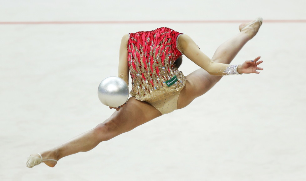 Russia's Margarita Mamun performs in the individual final programme at the 31st European Rhythmic Gymnastics Championships in Minsk, Belarus, May 3, 2015. REUTERS/Vasily Fedosenko TPX IMAGES OF THE DAY - RTX1BBZN