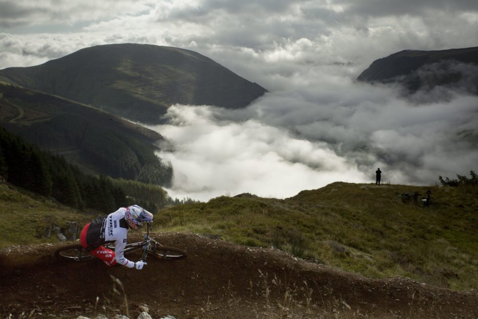 DINAS MAWDDWY, UNITED KINGDOM - SEPTEMBER 18: In this handout image supplied by Red Bull, Gee Atherton competes during Red Bull Hardline on September 18, 2016, in Dinas Mawddwy, Wales, United Kingdom. (Photo by Olaf Pignataro/Red Bull via Getty Images)